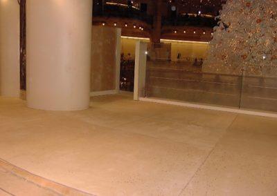 Galeries Lafayette Sol coulé en place (1999)